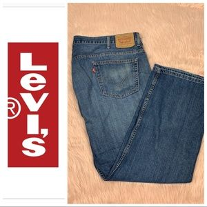 Levi's • 569 Loose Straight Fit Sz 42x32